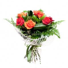Trandafiri rosii si portocalii
